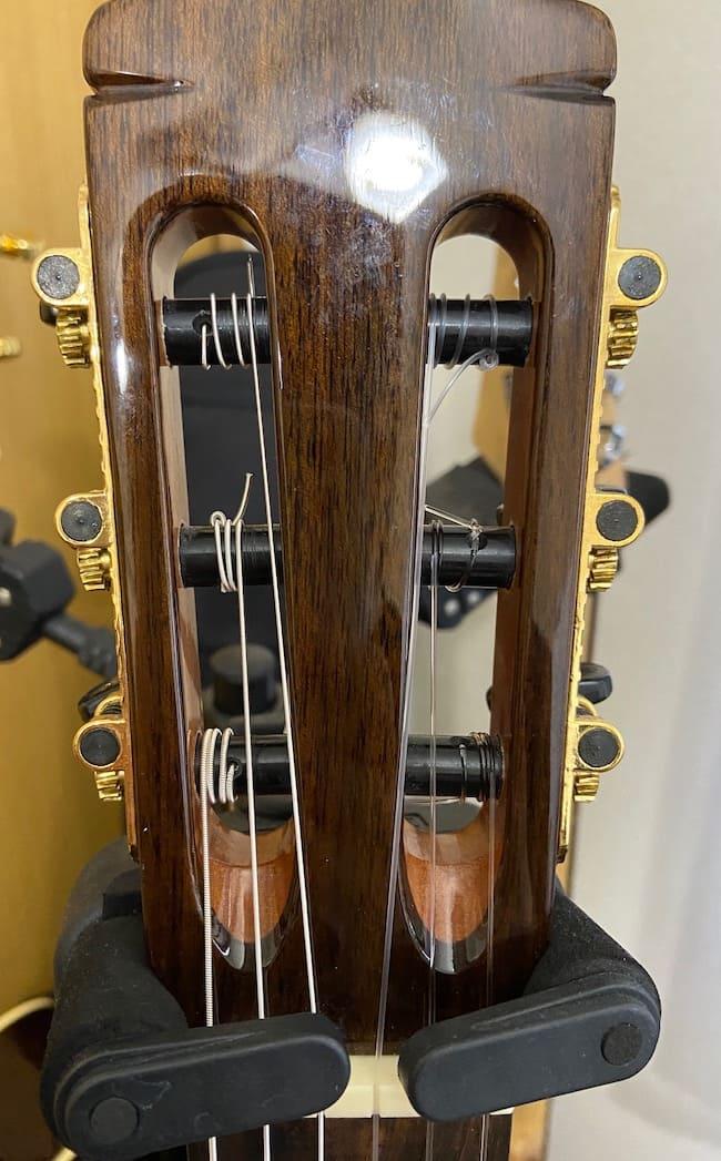 クラシックギターの弦交換(ヘッド側)